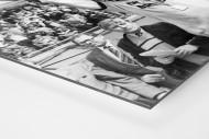 Dixie und der Pokal als auf Alu-Dibond kaschierter Fotoabzug (Detail)