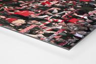 Freiburg Fans als auf Alu-Dibond kaschierter Fotoabzug (Detail)