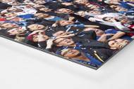 HSV Fans bei der Relegation vor dem Tor als auf Alu-Dibond kaschierter Fotoabzug (Detail)