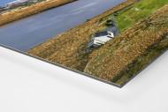 Fußballplatz im Glenveagh Nationalpark als auf Alu-Dibond kaschierter Fotoabzug (Detail)