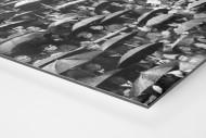 Regen auf der Tribüne als auf Alu-Dibond kaschierter Fotoabzug (Detail)