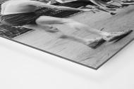 Ballspiel auf dem Schulhof (2) als auf Alu-Dibond kaschierter Fotoabzug (Detail)