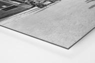 Vorbei am Postamt bei Paris-Roubaix als auf Alu-Dibond kaschierter Fotoabzug (Detail)