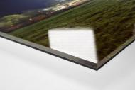 Schwarzwald-Stadion bei Flutlicht (Farbe) als Direktdruck auf Alu-Dibond hinter Acrylglas (Detail)