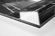Weserstadion bei Flutlicht (Schwarzweiß-Querformat-3) als Direktdruck auf Alu-Dibond hinter Acrylglas (Detail)