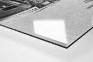 Vorbei am Postamt bei Paris-Roubaix als Direktdruck auf Alu-Dibond hinter Acrylglas (Detail)