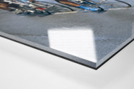 Schmutzig bei Mailand-Sanremo als Direktdruck auf Alu-Dibond hinter Acrylglas (Detail)
