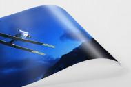 Skisprung in den Abendhimmel von Predazzo als FineArt-Print