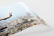 Turmspringen mit Blick auf Barcelona als FineArt-Print