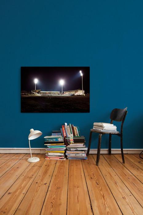 Das Georg-Melches-Stadion bei Flutlicht in deinen vier Wänden - 11FREUNDE BILDERWELT