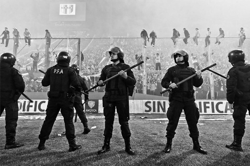 Polizeieinsatz Velez Sarsfield - 11FREUNDE BILDERWELT