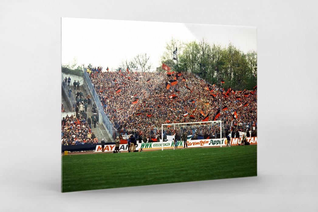 Club Fans 1982 (1) als Direktdruck auf Alu-Dibond hinter Acrylglas