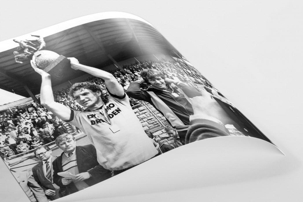 Dixie und der Pokal als FineArt-Print