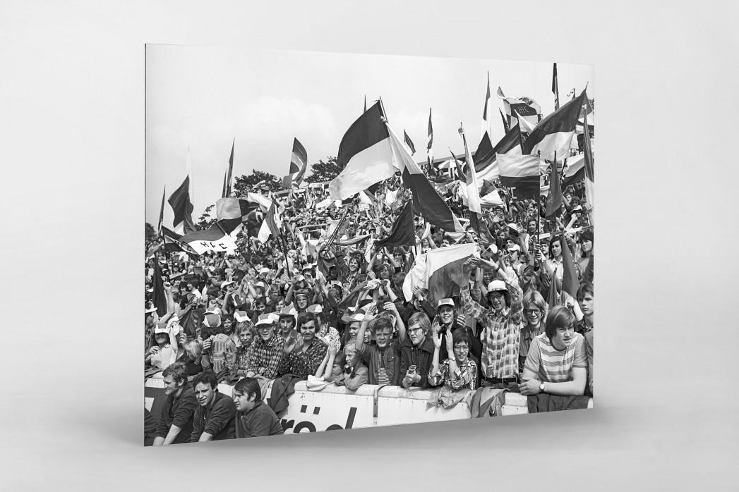 Halle Fans 1977 als auf Alu-Dibond kaschierter Fotoabzug