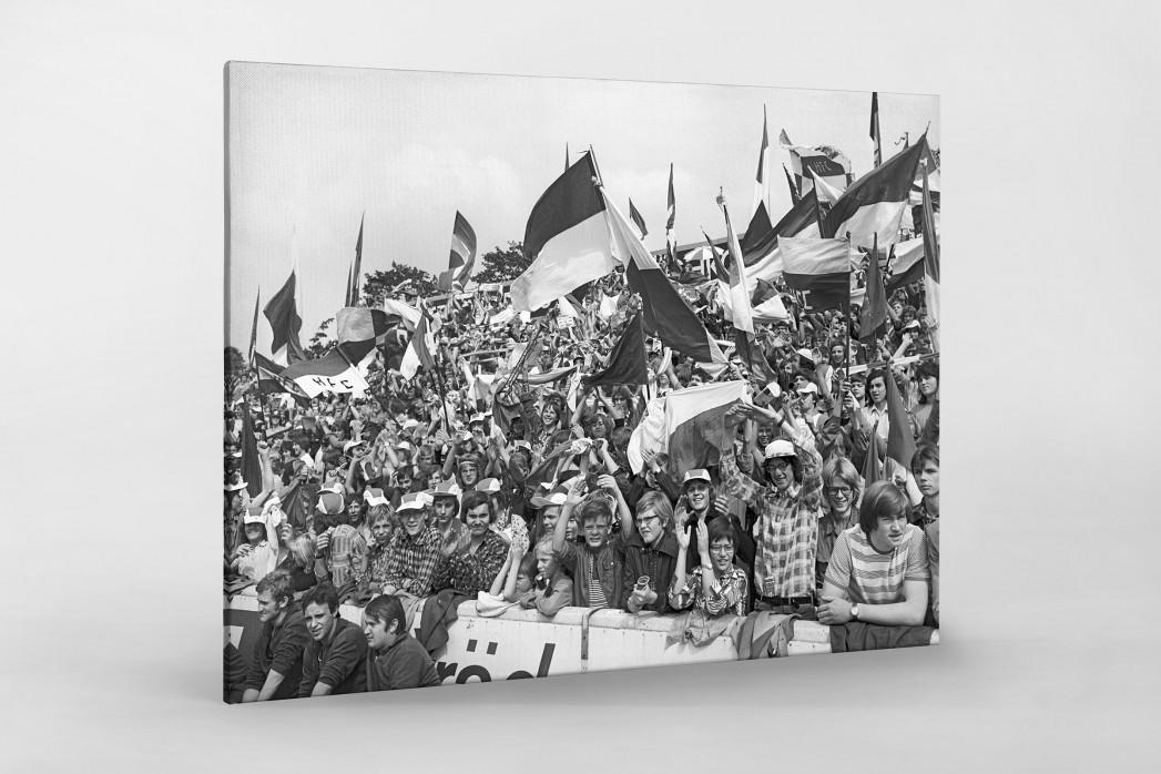 Halle Fans 1977 als Leinwand auf Keilrahmen gezogen
