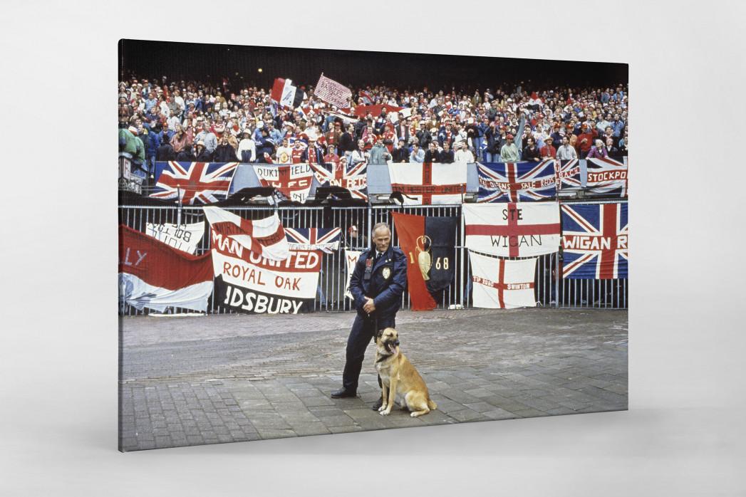 Englische Fans in Rotterdam als Leinwand auf Keilrahmen gezogen