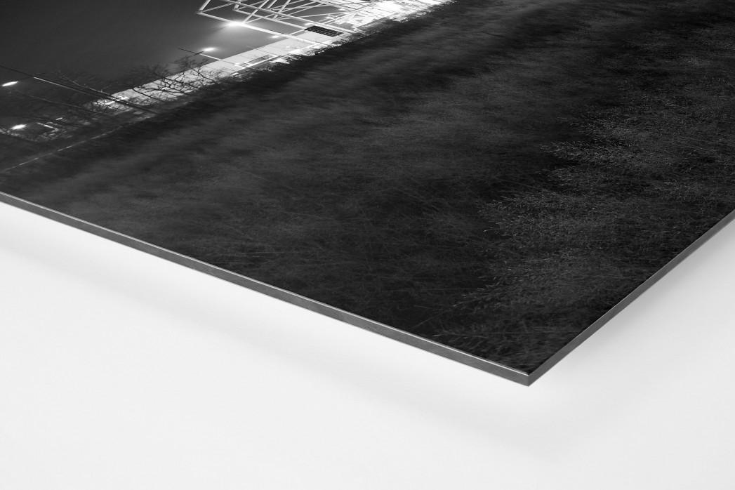 Borussia Park bei Flutlicht (schwarz/weiß) als auf Alu-Dibond kaschierter Fotoabzug (Detail)