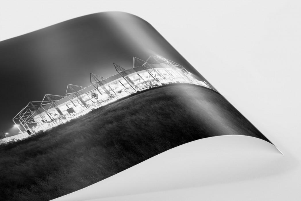 Borussia Park bei Flutlicht (schwarz/weiß) als FineArt-Print