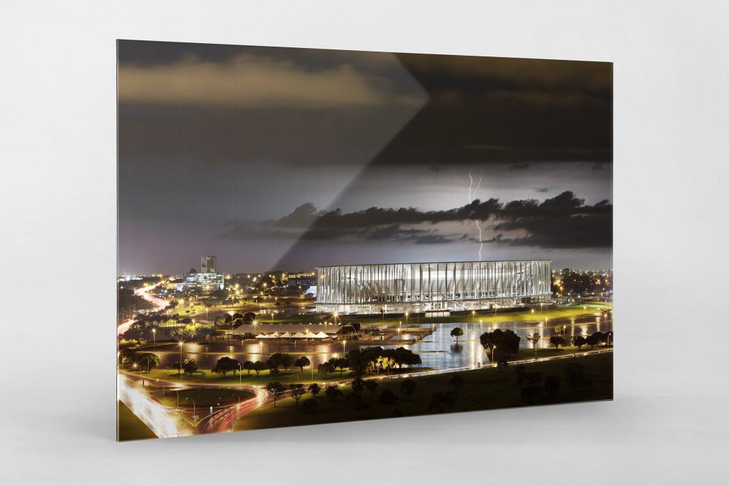Estádio Nacional de Brasília am Abend als Direktdruck auf Alu-Dibond hinter Acrylglas