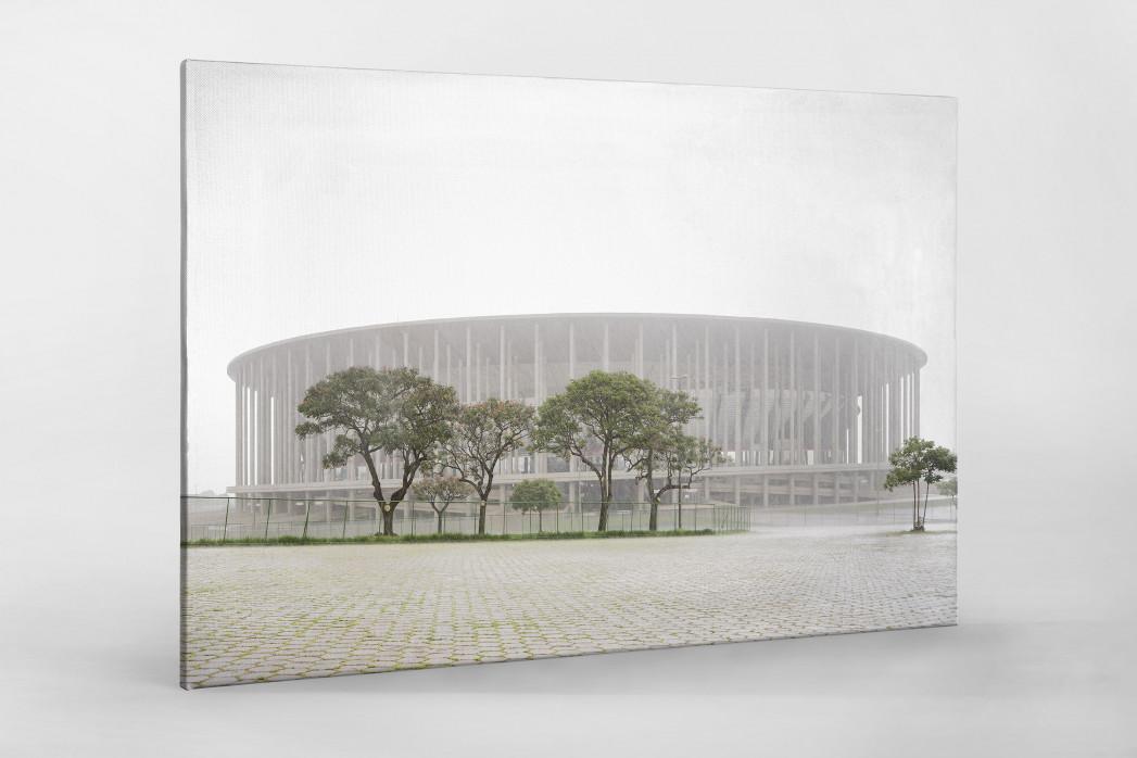 Estádio Nacional de Brasília im Nebel  als Leinwand auf Keilrahmen gezogen