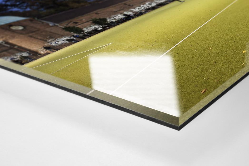 Sportplatz Offenbacher Straße als Direktdruck auf Alu-Dibond hinter Acrylglas (Detail)