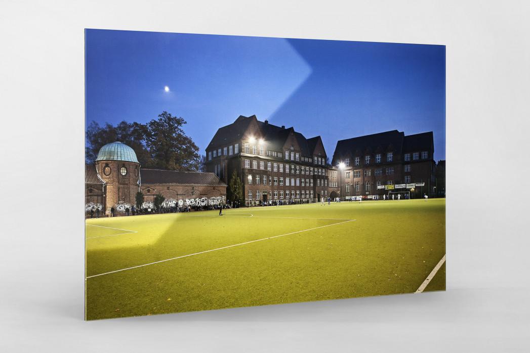 Sportplatz Offenbacher Straße als Direktdruck auf Alu-Dibond hinter Acrylglas