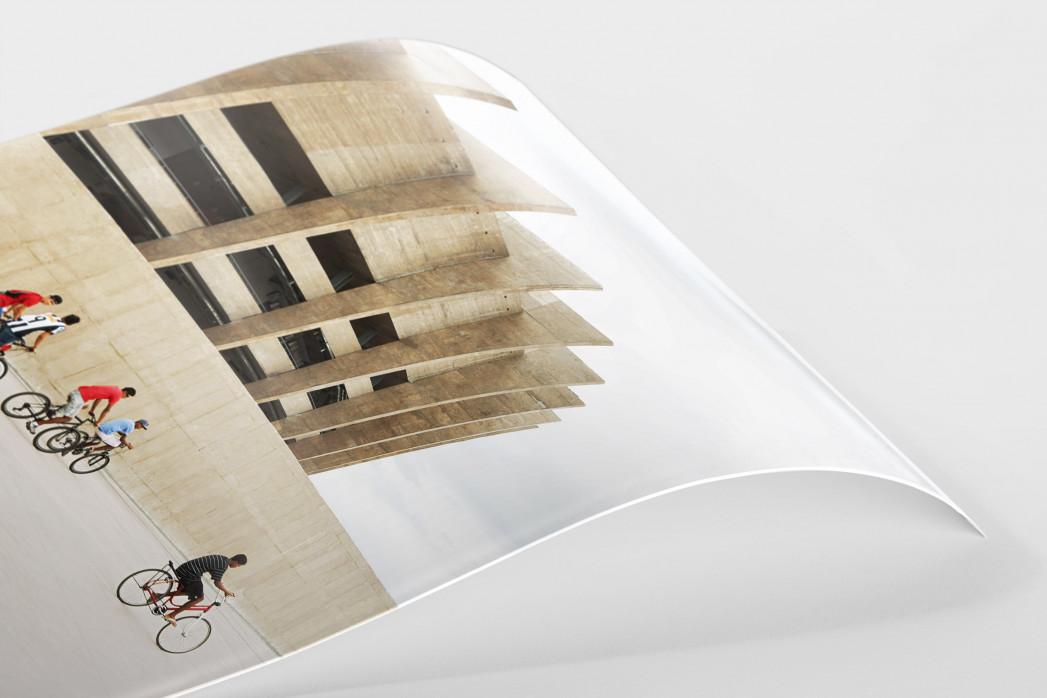 Radfahrer vor dem Estádio Mineirão als FineArt-Print