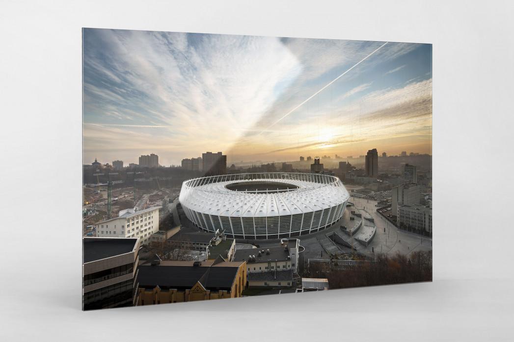 Himmel über dem Olympiastadion Kiew als Direktdruck auf Alu-Dibond hinter Acrylglas