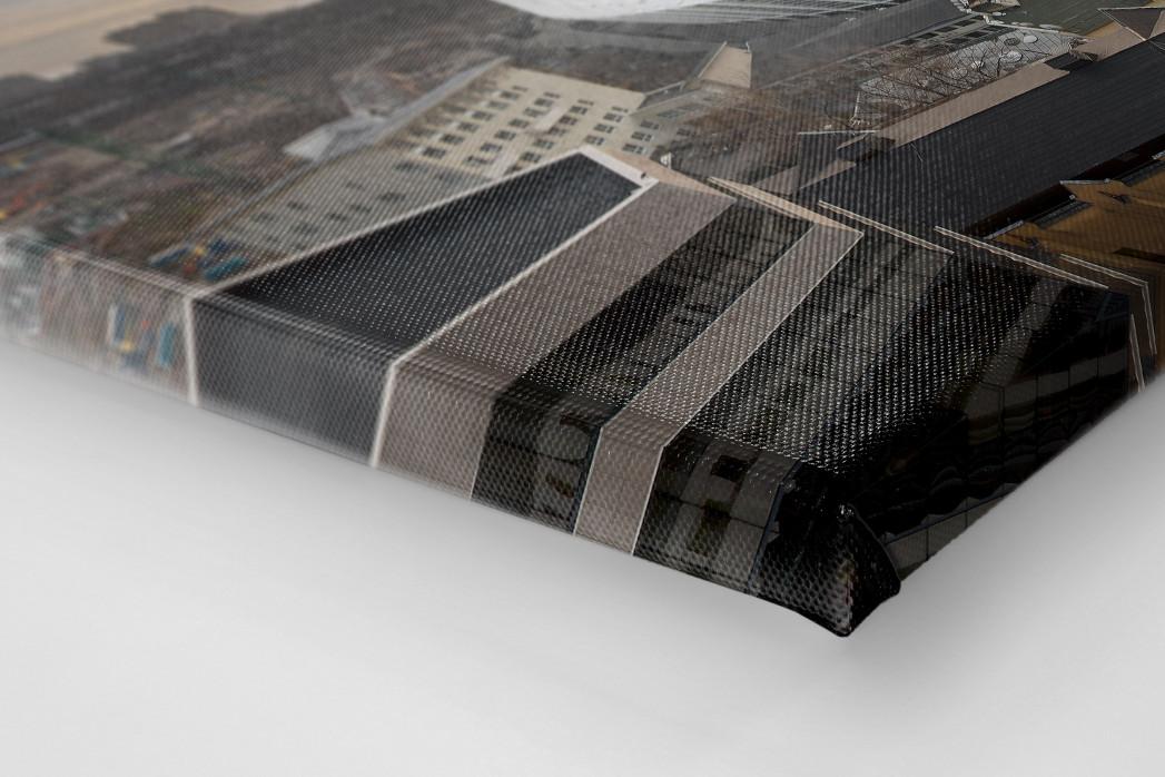 Himmel über dem Olympiastadion Kiew als Leinwand auf Keilrahmen gezogen (Detail)
