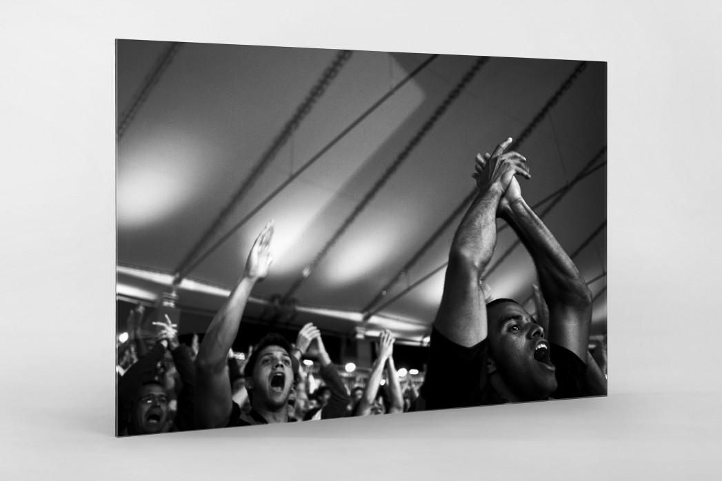 Fans im Maracanã als Direktdruck auf Alu-Dibond hinter Acrylglas