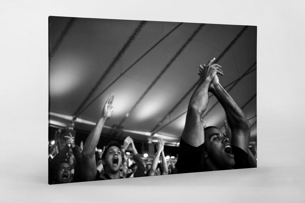 Fans im Maracanã als Leinwand auf Keilrahmen gezogen