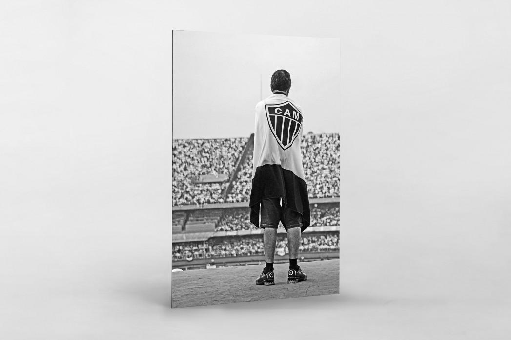 Atlético Mineiro Fan At The Stand als auf Alu-Dibond kaschierter Fotoabzug