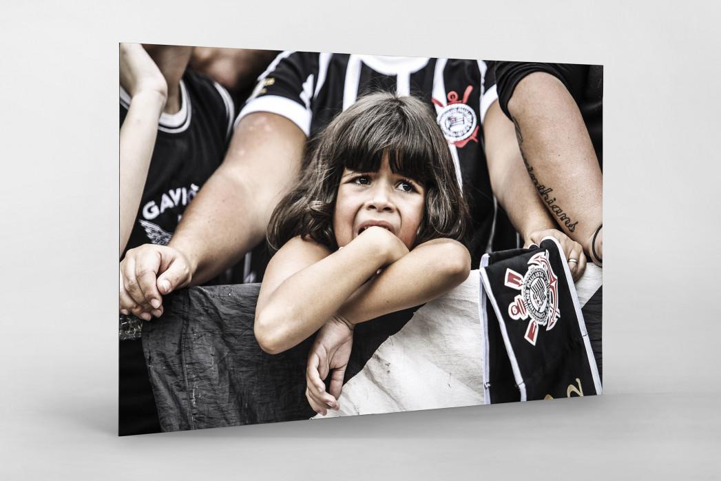 Young Girl At The Stadium als auf Alu-Dibond kaschierter Fotoabzug