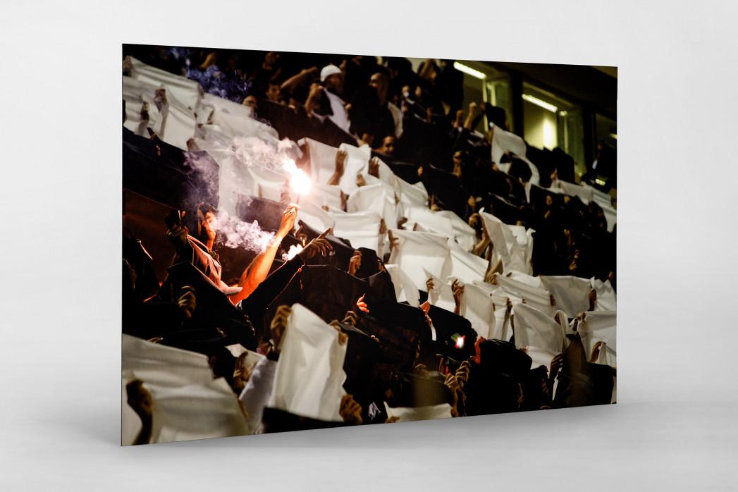 Pyro And Flares als auf Alu-Dibond kaschierter Fotoabzug