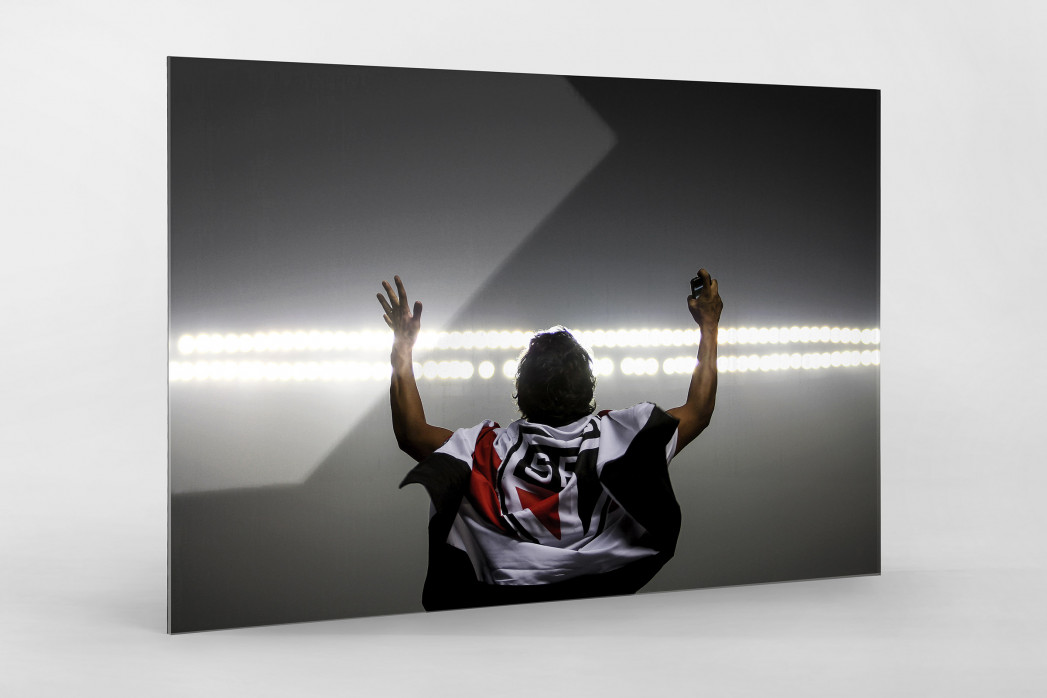 FC São Paulo Fan Celebrating als Direktdruck auf Alu-Dibond hinter Acrylglas