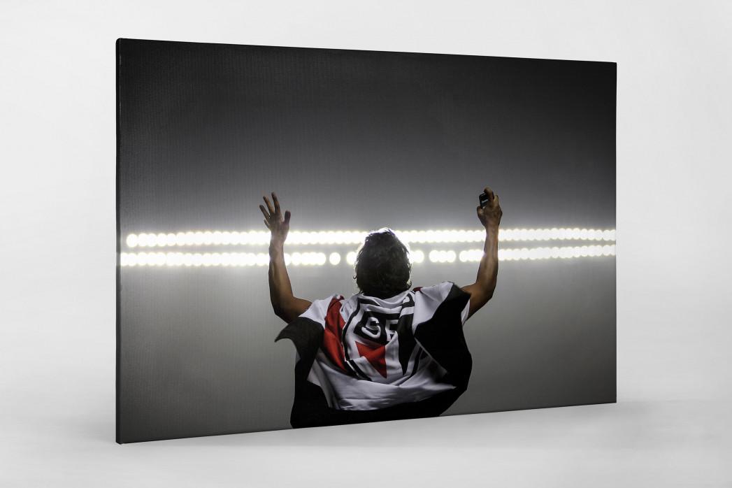 FC São Paulo Fan Celebrating als Leinwand auf Keilrahmen gezogen
