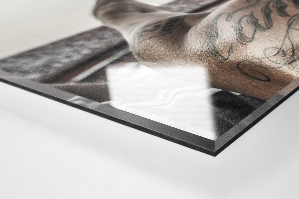 Tattooed Corinthians Fan als Direktdruck auf Alu-Dibond hinter Acrylglas (Detail)