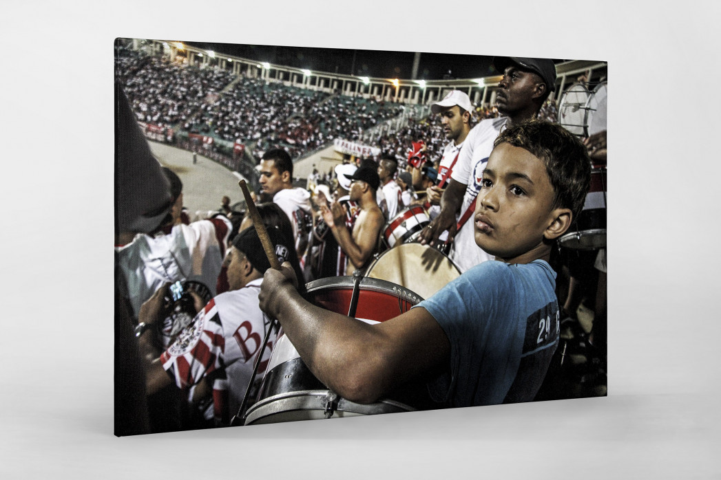 Young FC São Paulo Fan Playing Drums In The Stadium als Leinwand auf Keilrahmen gezogen