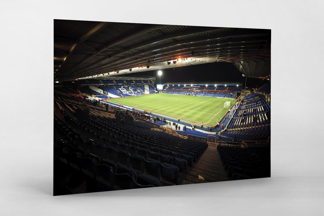 Blick in das St. Andrew's Stadium (Farbe) als auf Alu-Dibond kaschierter Fotoabzug