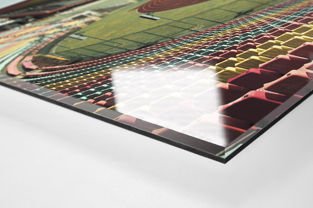 Blick in den Jahn-Sportpark als Direktdruck auf Alu-Dibond hinter Acrylglas (Detail)