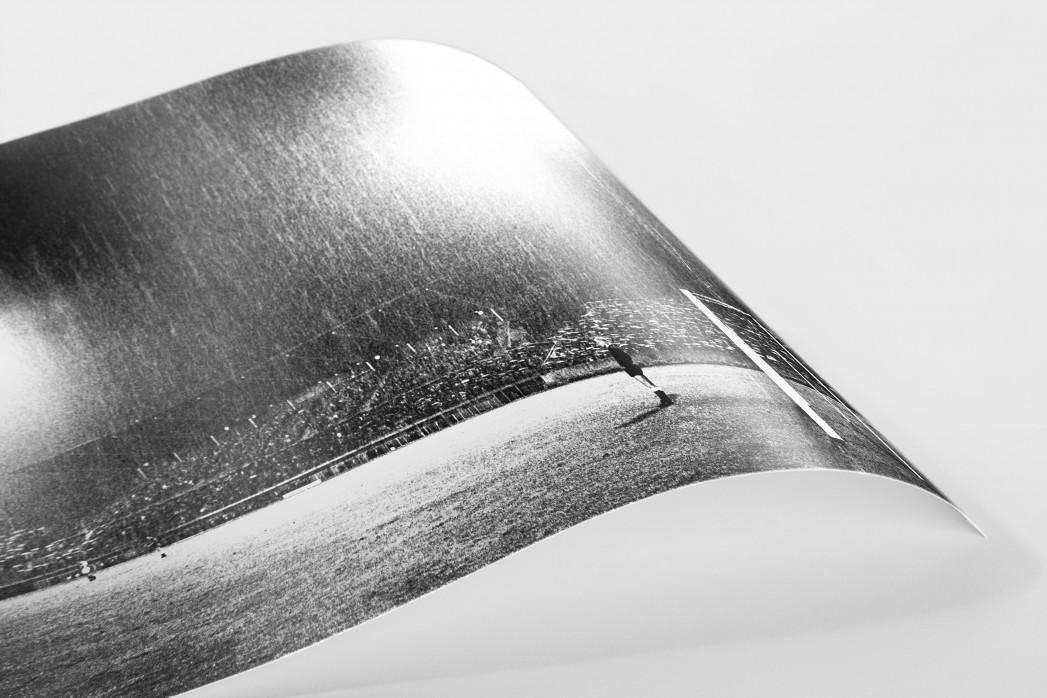 Flutlicht und Regen als FineArt-Print