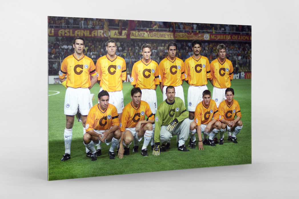 Hertha in Istanbul als Direktdruck auf Alu-Dibond hinter Acrylglas