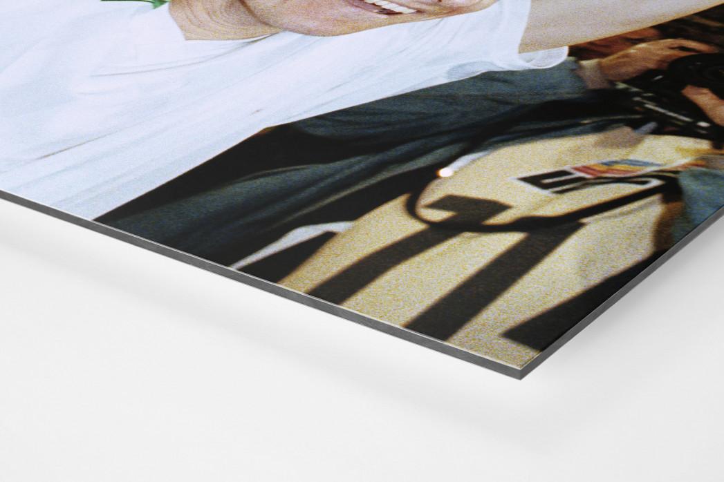 Kiwi und der Pokal als auf Alu-Dibond kaschierter Fotoabzug (Detail)