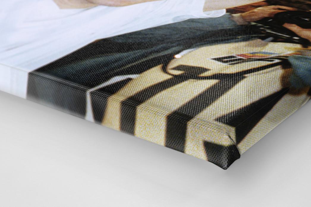Kiwi und der Pokal als Leinwand auf Keilrahmen gezogen (Detail)