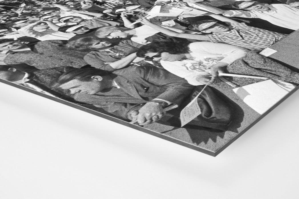 Köln Fans 1964 als auf Alu-Dibond kaschierter Fotoabzug (Detail)