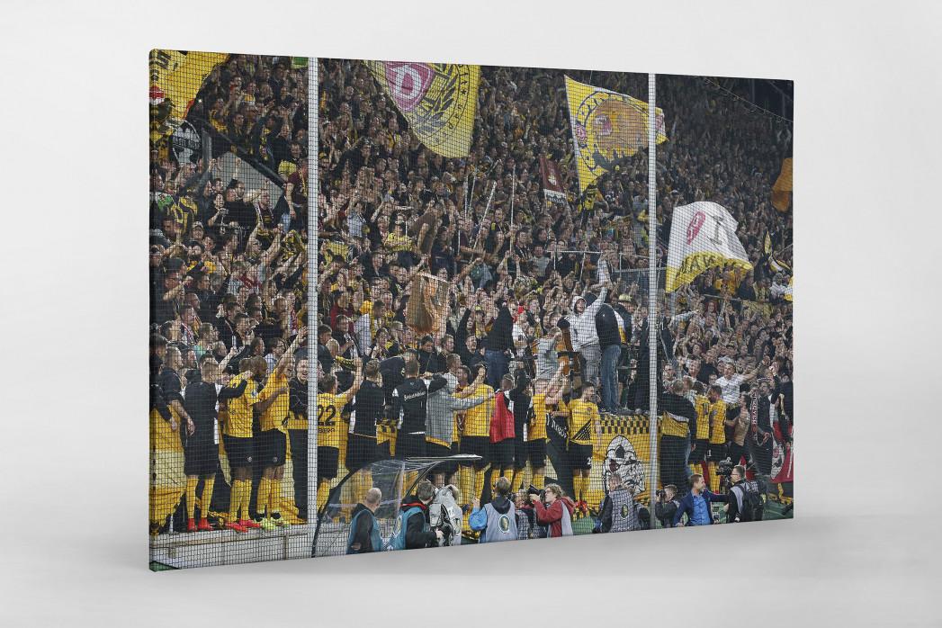 Dresden jubelt im Pokal als Leinwand auf Keilrahmen gezogen