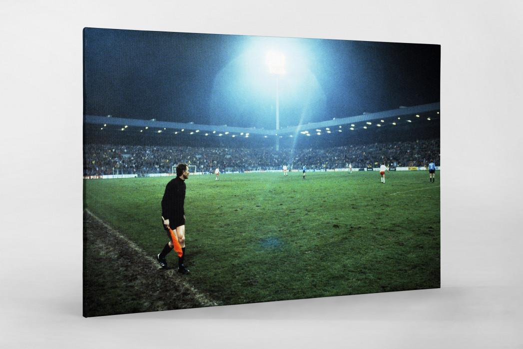 Flutlicht im Ruhrstadion als Leinwand auf Keilrahmen gezogen