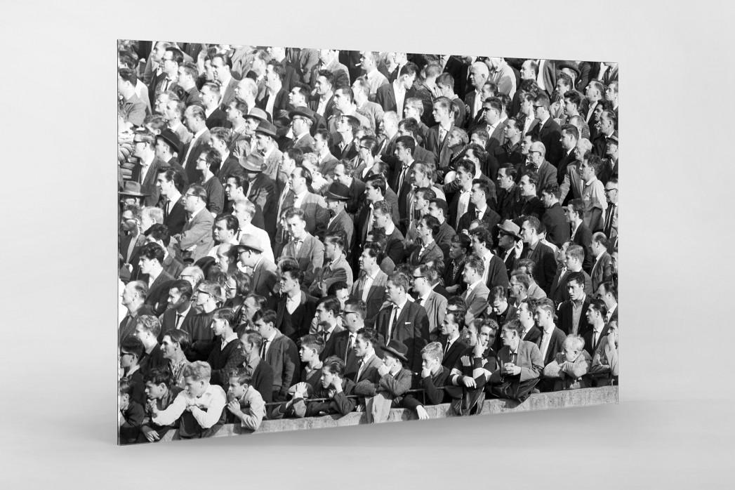 Zuschauer 1963 als Direktdruck auf Alu-Dibond hinter Acrylglas