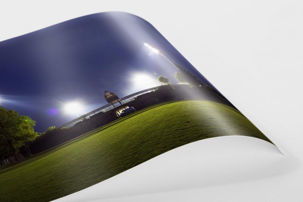 Stadion am Böllenfalltor bei Flutlicht (Farbe) als FineArt-Print