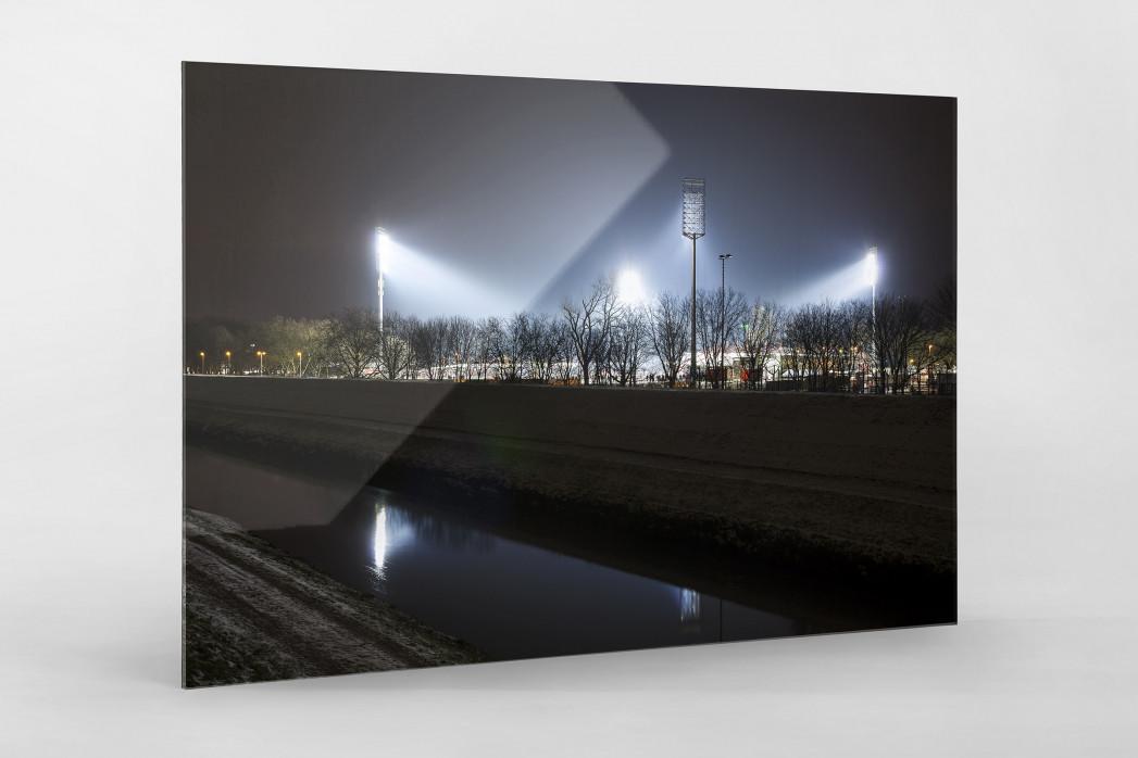 Niederrheinstadion bei Flutlicht (Farbe) als Direktdruck auf Alu-Dibond hinter Acrylglas